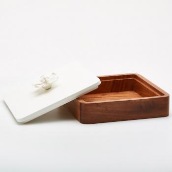 boîte carré bois et porcelaine