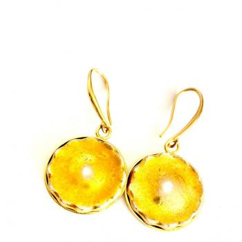 Boucles d'or. Boucles d'oreilles artisanales en boutons anciens